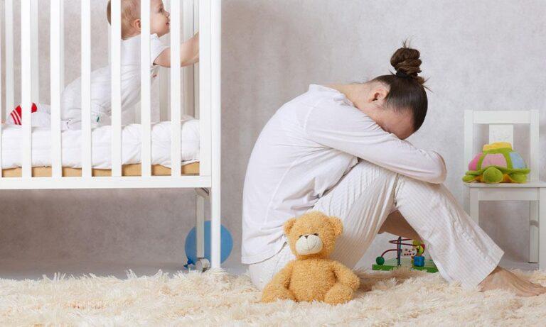 """""""Trầm cảm sau sinh"""": Nguyên nhân, triệu chứng và cách điều trị"""